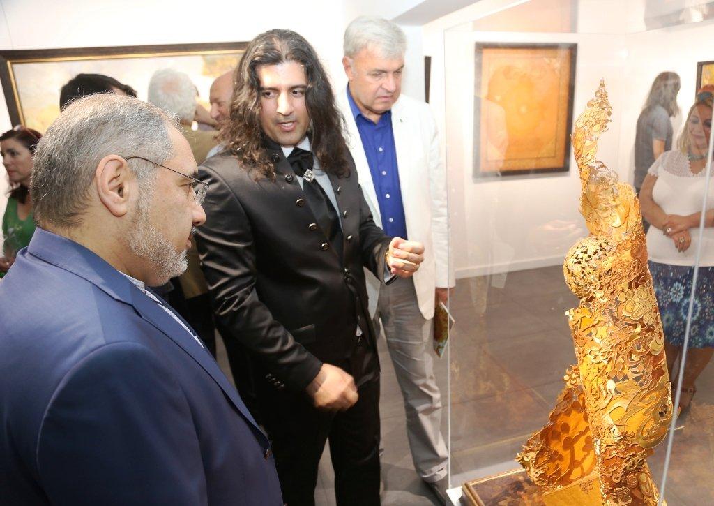 Ahad Saadi – Azarnegari ile Bağdat Caddesi'nde…
